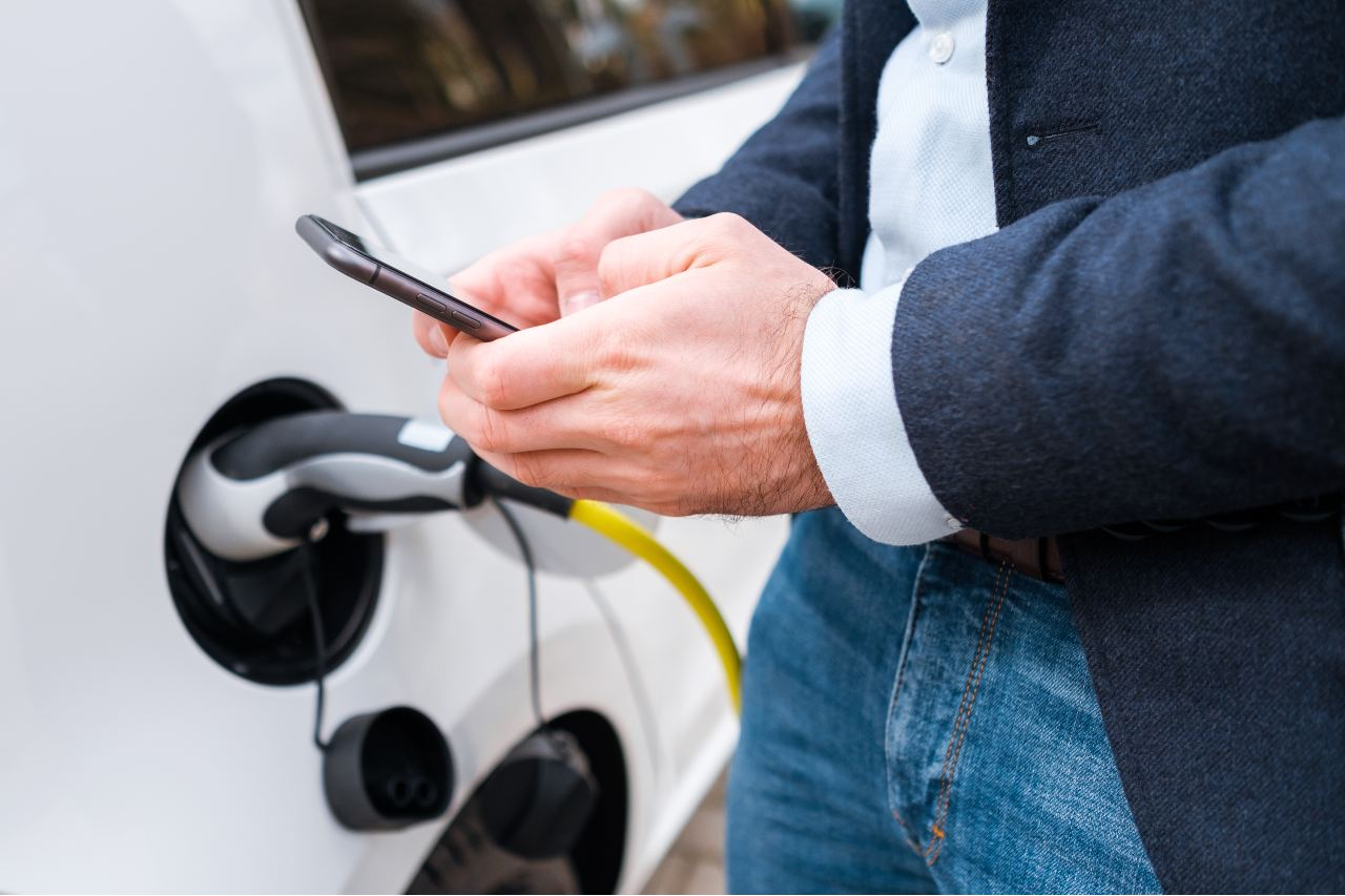 Employee using CBVC driver app for a vehicle check
