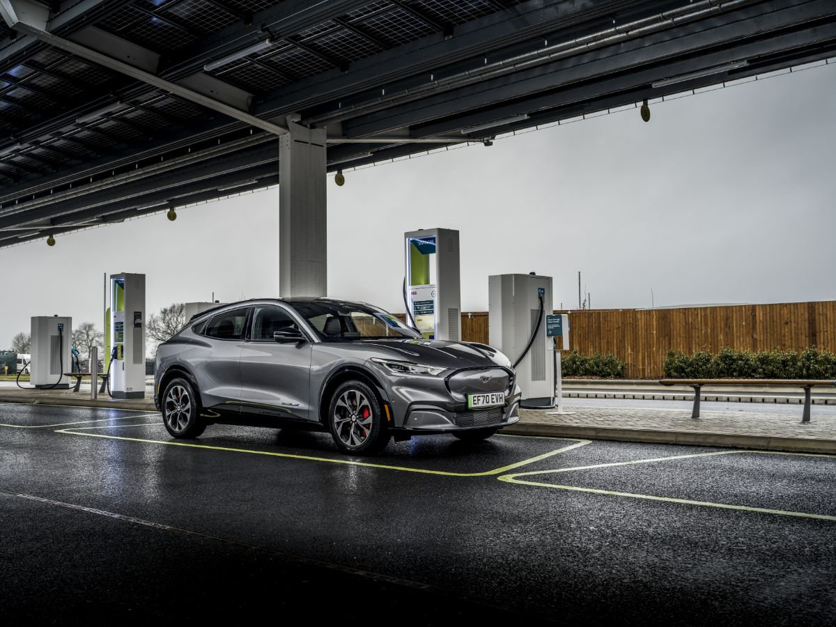 Electric car leasing guide